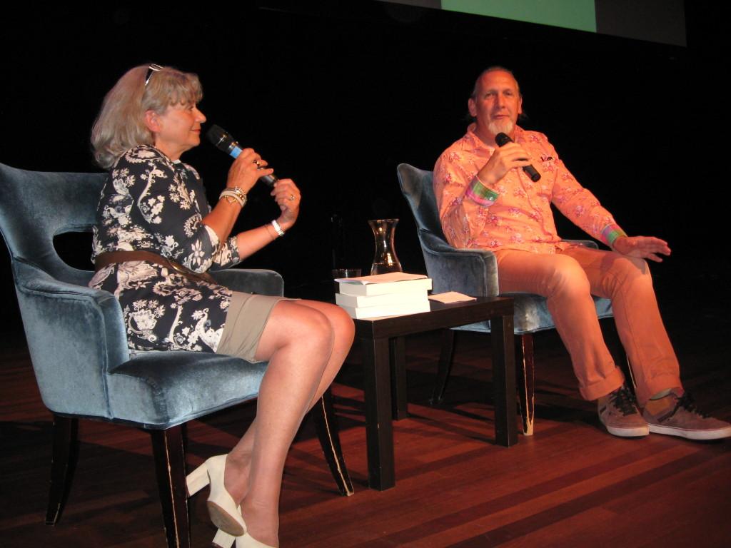 Schrijfster Giselle Ecury en In de Knipscheer hoofdredacteur Peter de Rijk